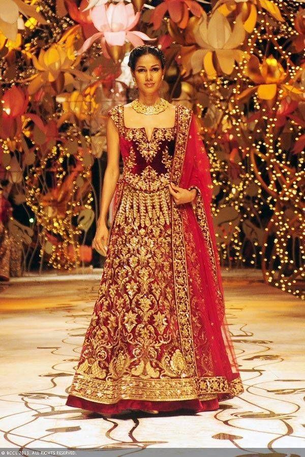Make yourself stunning and trendy zardosi work maroon for Trendy indian wedding dresses