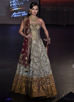 Spectacular golden & silver blend designer lehenga with zardosi functionality