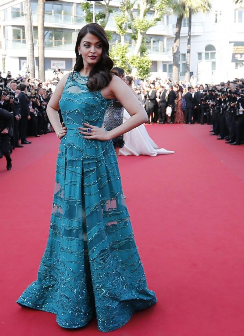 Phenomenal Aishwarya Rai Cannes 2015 Emerald Party Wear Blue Gown At Zikimo