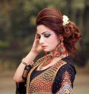 Hairstyles For Short Hair On Lehenga : Indian Bridal Hairstyles For Lehenga - Hair Styles and Haircut Ideas